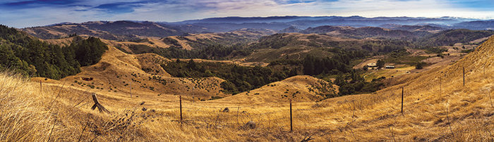 The panoramic view from Djerassi encompasses the San Mateo County hills to San Gregorio State Beach on the ocean. (Photo by Lech Naumovich)